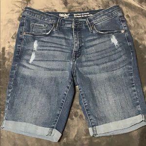 Mid-Rise Bermuda Shorts